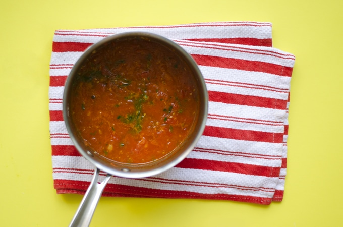 This homemade marinara sauce is made ultra-simply with fresh tomatoes, garlic, and herbs.