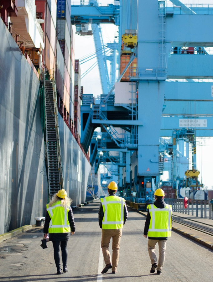 Orange Shipping and Logistics Forwarder