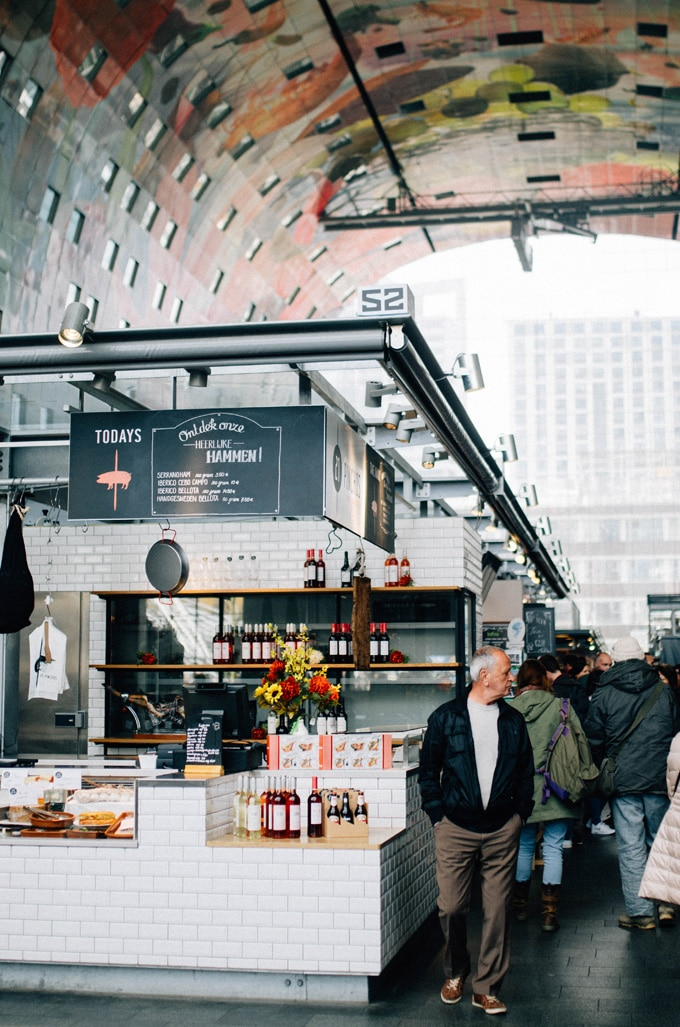 The best shopping districts and markets in Rotterdam, Netherlands, including the famous food Markthal and weekly Blaak farmer's market.