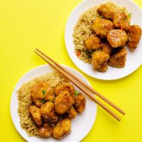 Think cauliflower is boring? Dress it up in a quick panko coating and sticky Asian-style sauce and I promise your mind will be changed! I give to you, Sticky Orange Cauliflower!