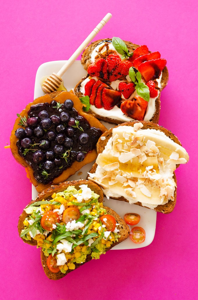 17 easy vegetarian breakfast ideas without eggs to inspire your mornings. From simple smoothies to 1 pan wonders, kickstart your day with these healthy, egg-less recipes!