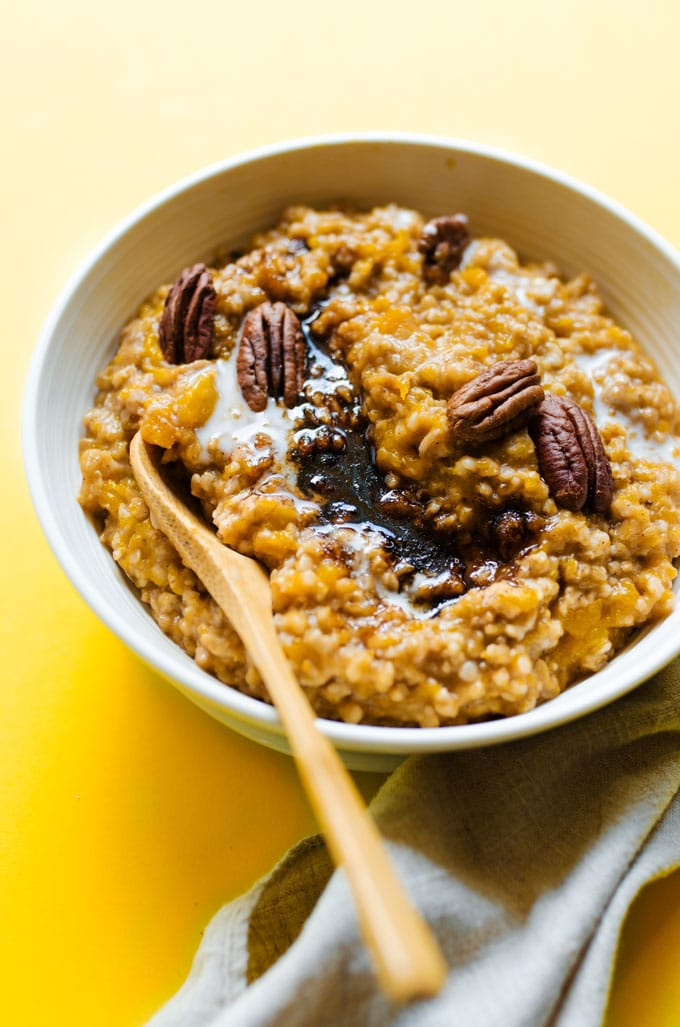 Looking for a bone-warming fall breakfast recipes that's as easy as it is tasty? This Crockpot Steel Cut Oatmeal with Butternut Squash is your answer, filling your house with the warm aroma of autumn and cooking into creamy perfection while you sleep!