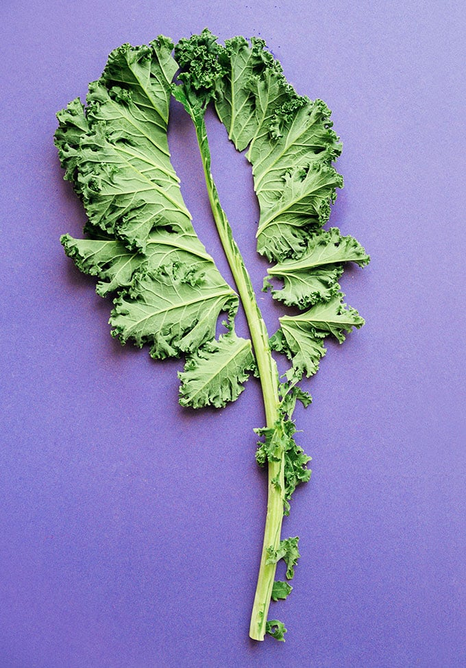 How to remove stem from kale on purple background