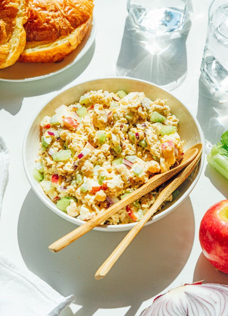 A white bowl filled with vegetarian chicken salad